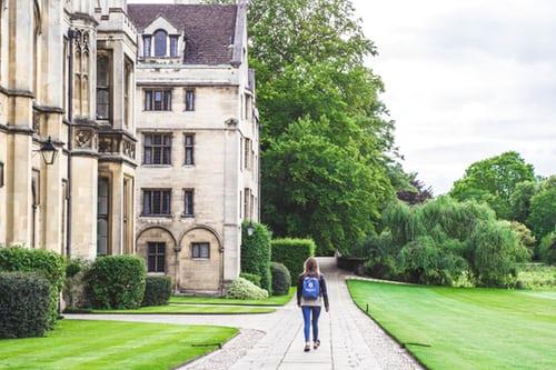 Üniversitede kendini geliştirme yolları