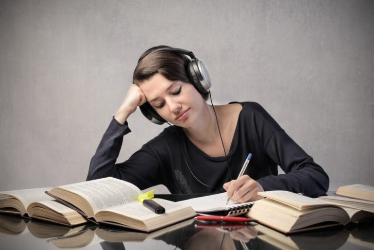 İngilizce Listening Geliştirme