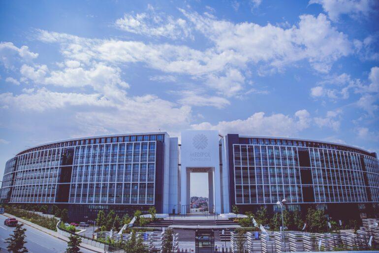 Medipol Üniversitesi Ücretler