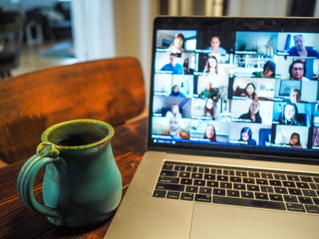 Online Kariyer Etkinliklerinin Avantajları ve Dezavantajları Nelerdir?