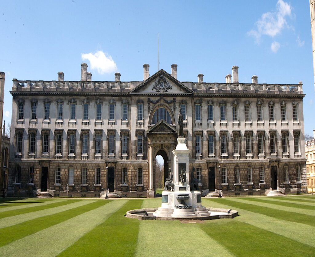 İngiltere'de Üniversite Okumak Hakkında Her Şey!